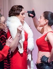 Teatro Kherson | CUIDADO, MULHERES!