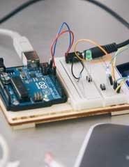 Arduíno e Pedais DIY por Digitópia/Casa da Música