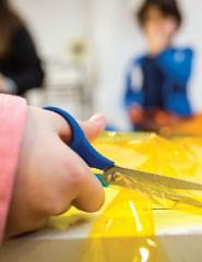 Engenhos ambientais da luz ao papel - Oficina para crianças