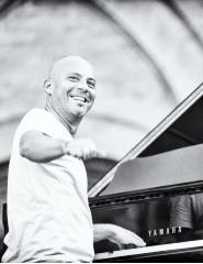 STEFANO BATAGLIA PIANO SOLO
