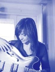 MAFALDA VEIGA- Crónicas da Intimidade de Uma Guitarra Azul