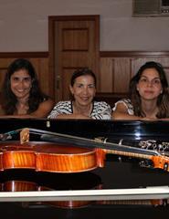 NOVOS TALENTOS - Novitatis Trio