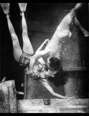 Hot Blood - No Centenário de Jane Russell | Underwater